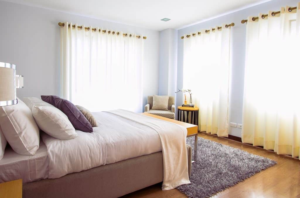 What Carpet Is Best for Bedrooms?   Good Carpet Guide